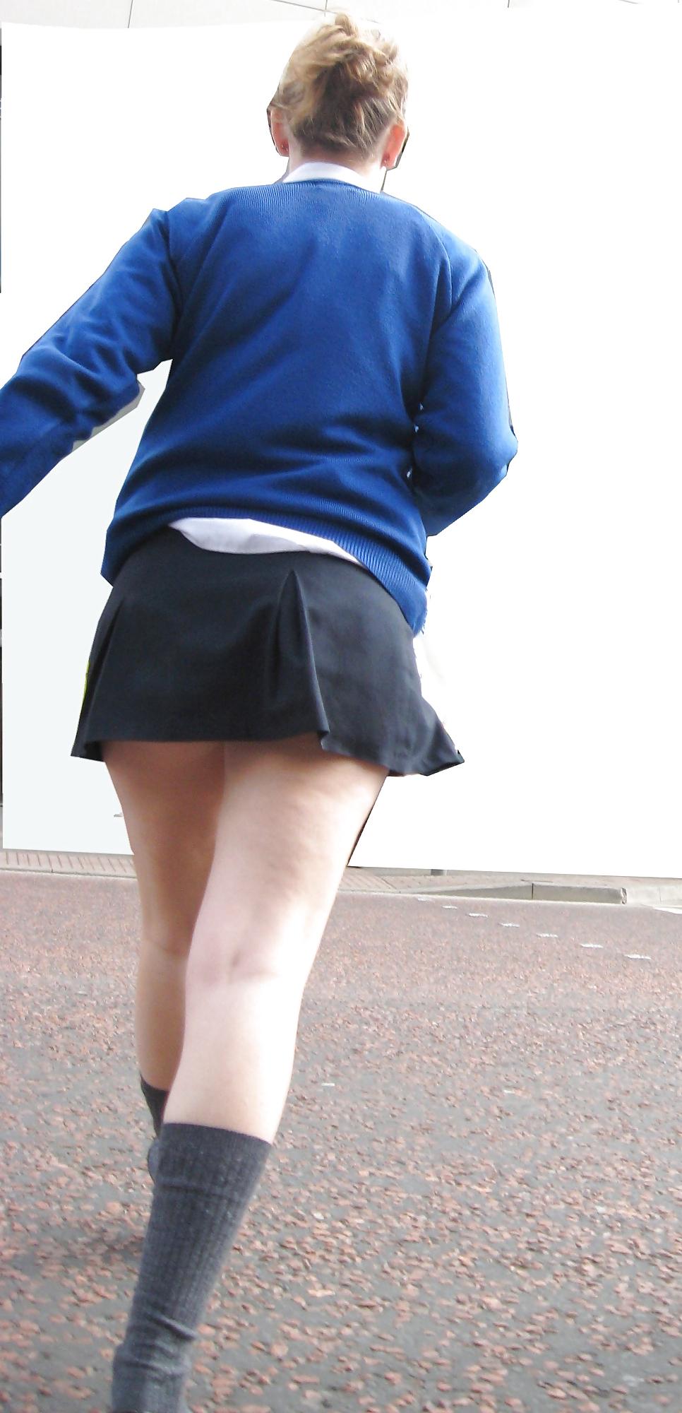 Mira lo ke esconde mi esposa entre las piernas - 2 part 5