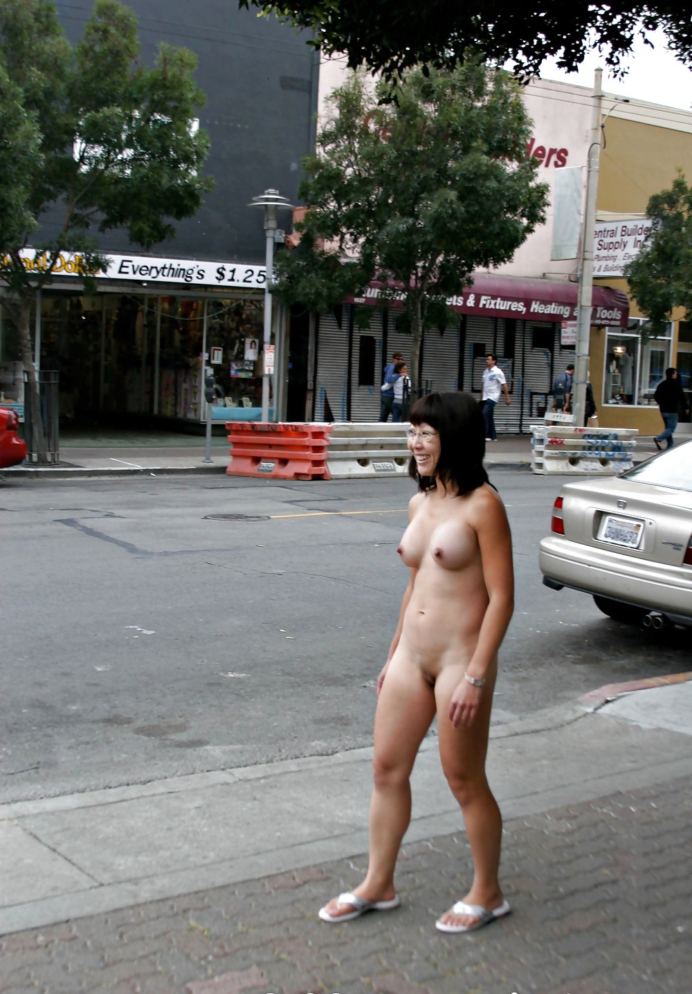 street-naked-korea