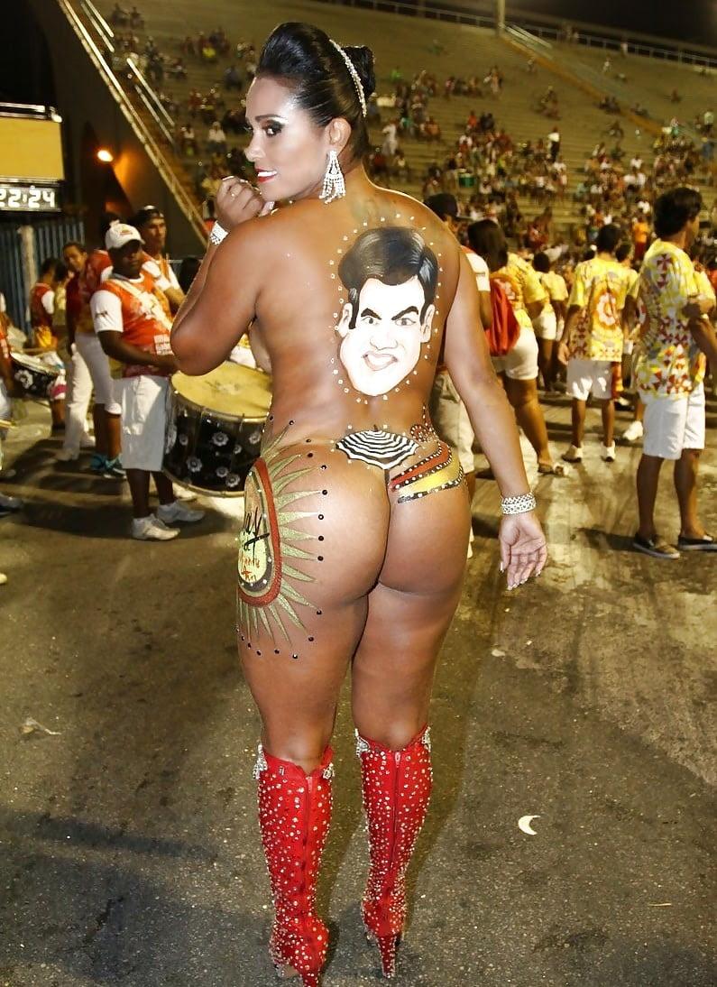 Черни выебали телочку на карнавале в бразилии русская тетя