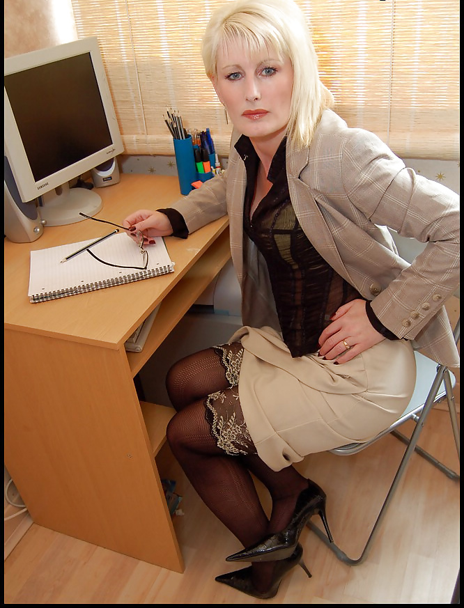seks-biznes-ledi-smotret-onlayn-moya-lyubovnitsa-prislala-mne-fotki-nyu