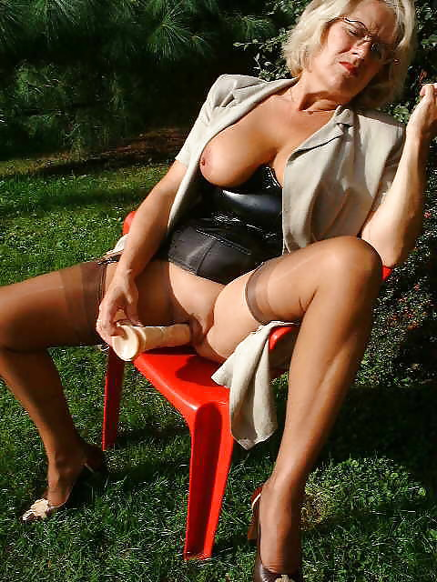 Sexy Mature In Fully Fashioned Nylons Stockings - 25 Pics -8361