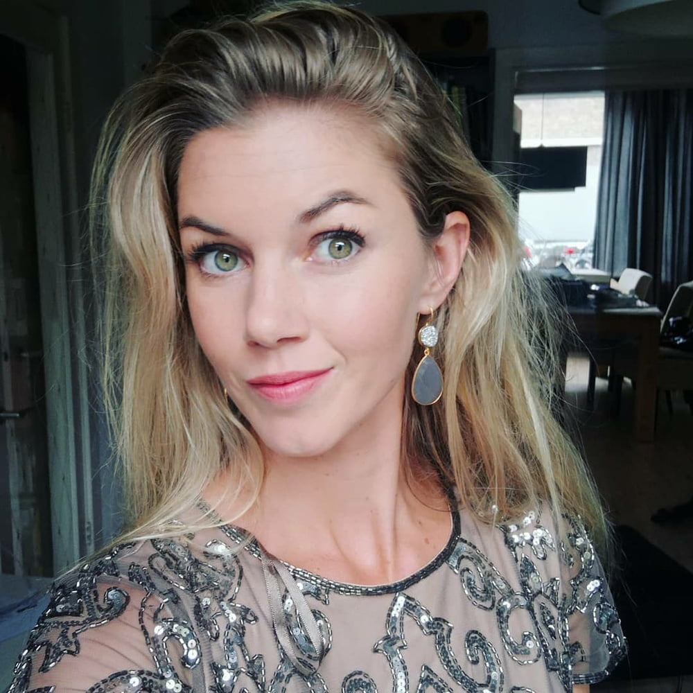 Laura hot dutch insta model