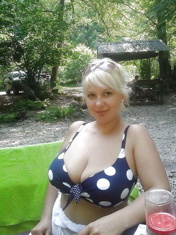 частное фото русских женщин за 40 в компании домашние