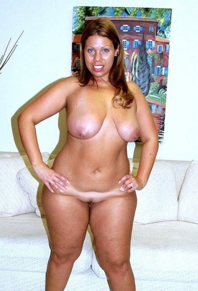 Milf with hips cums over moms