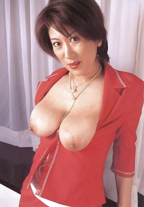 Sexy mature asians with big tits — photo 10