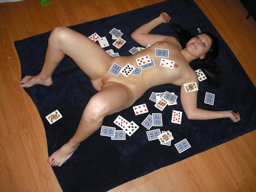 What is strip poker and how to play it excellently
