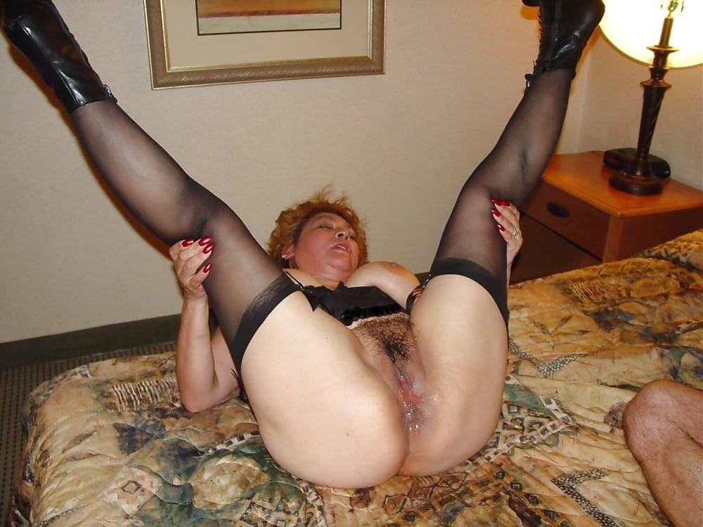 Кончают клевая тетя раздвинула ножки все фильмы порно