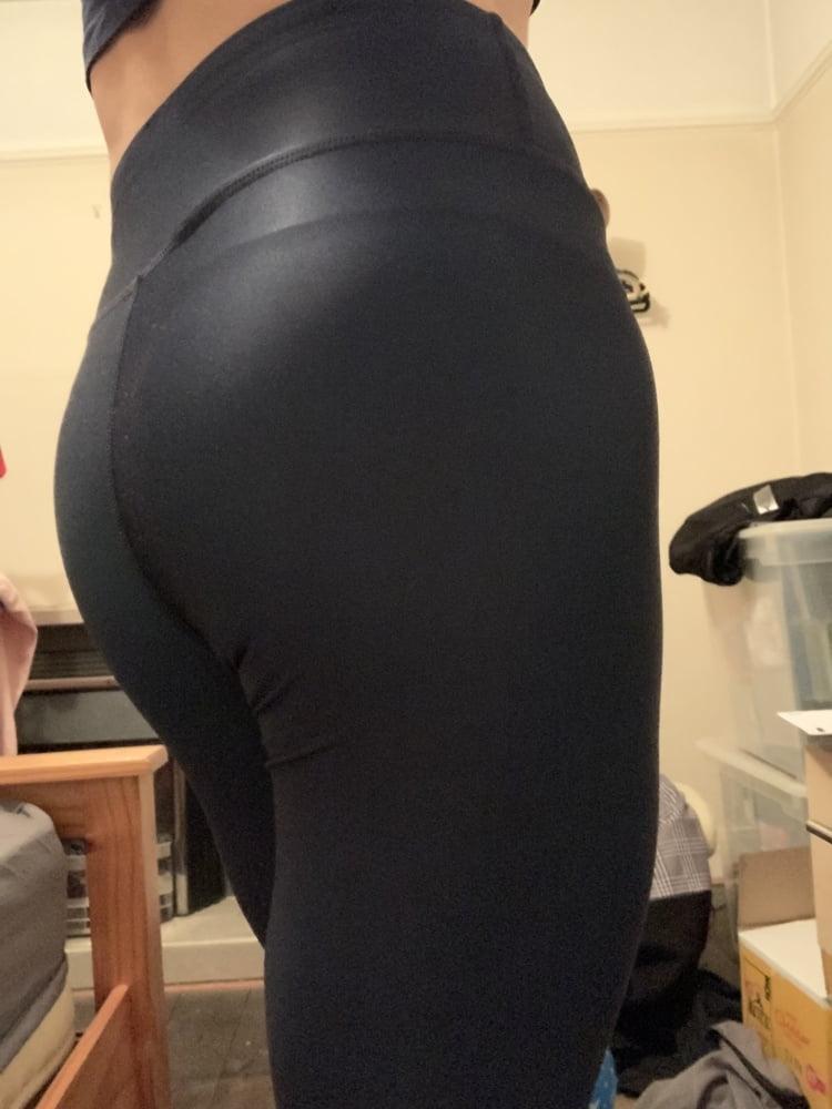 Gym pants - 8 Pics