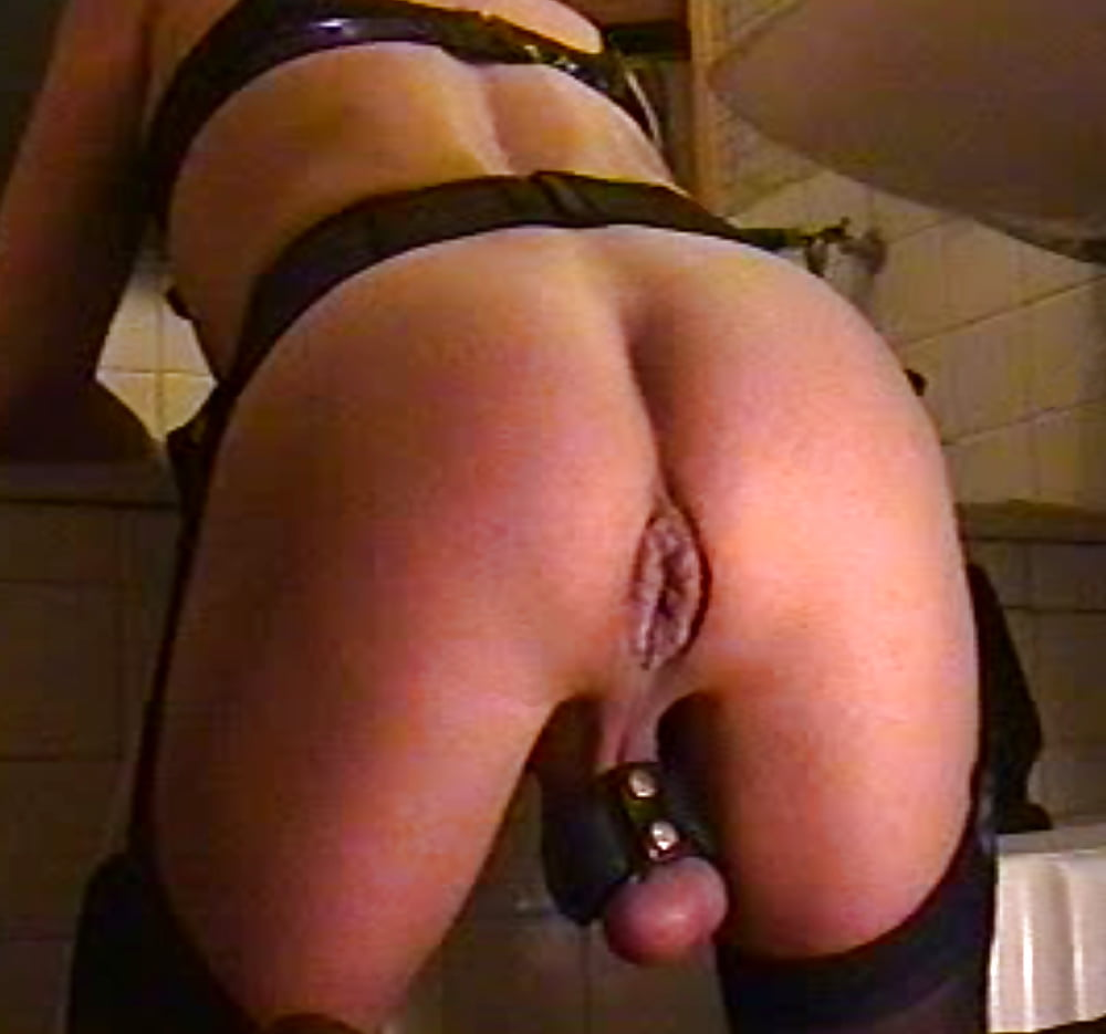 Fuck my wet young pussy