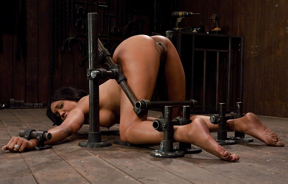 device-bondage-shows-for-free