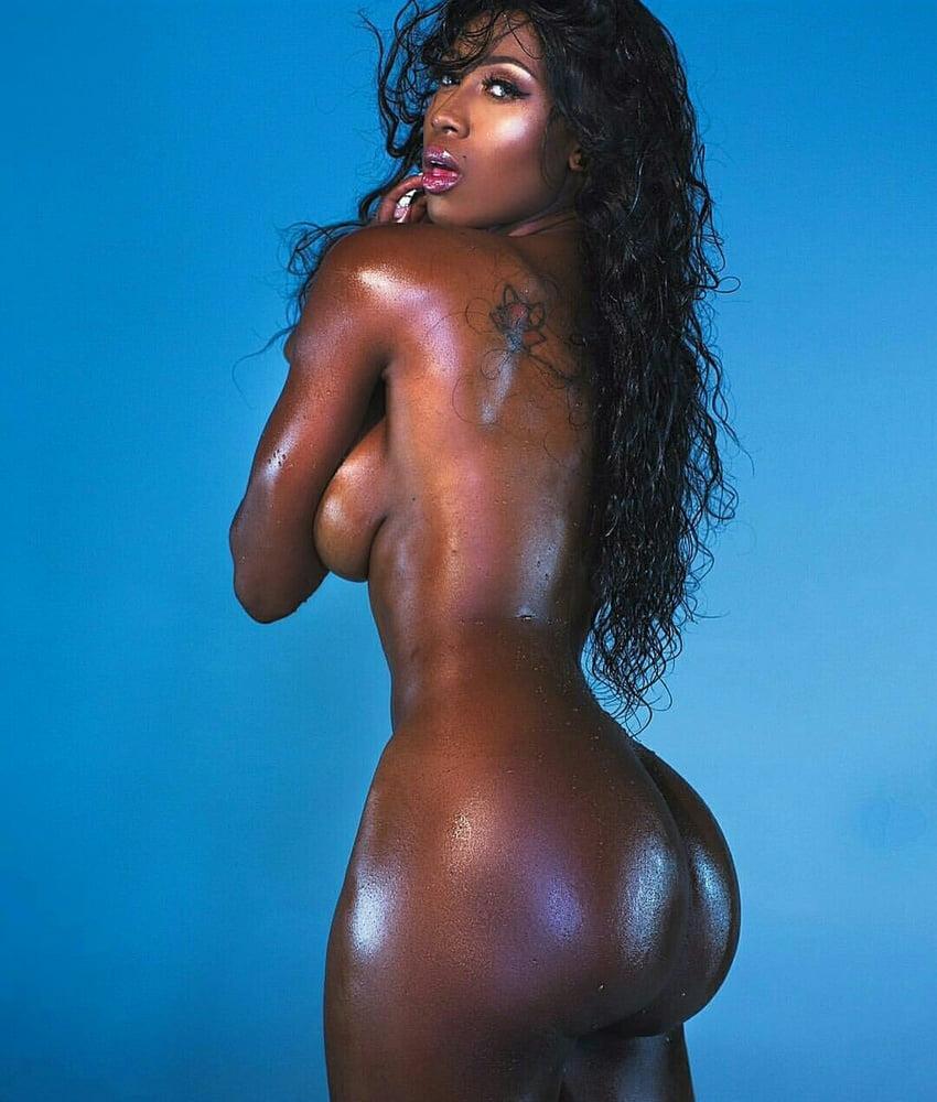 почему у темнокожих девушек такие попы - 5