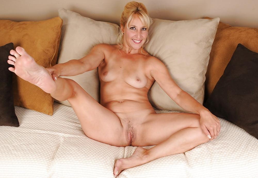 Erotic incall island long massage