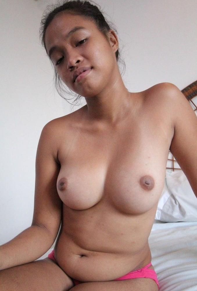 sexy-big-boob-filipinas-kate-micucci-sex-with-ducks