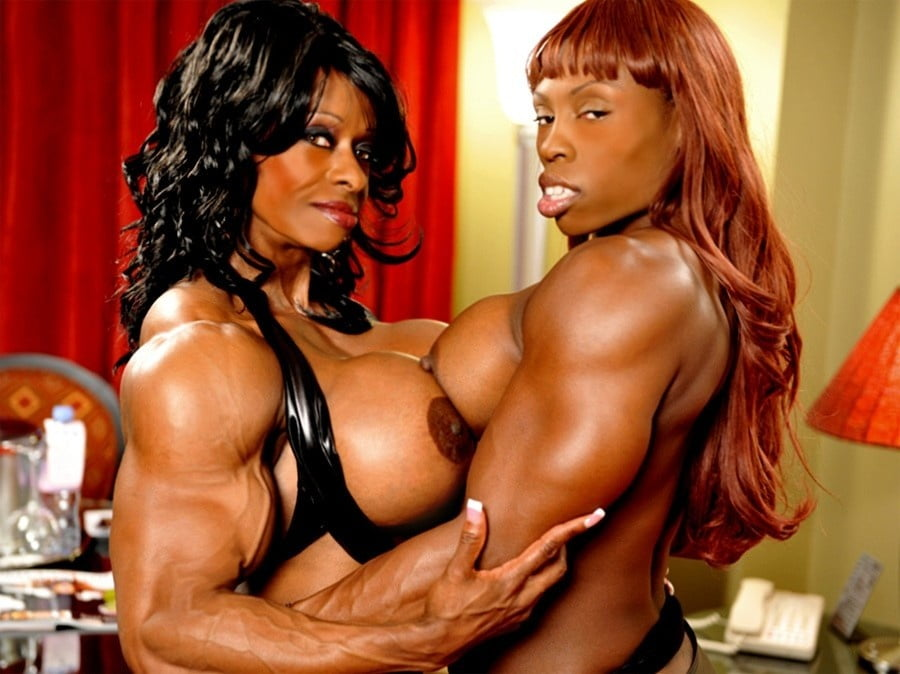 Muscle female lesbian naked tall — photo 9