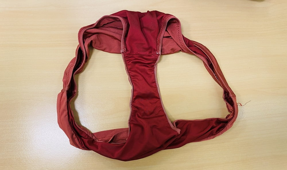 Colleague's Panties - 11 Pics