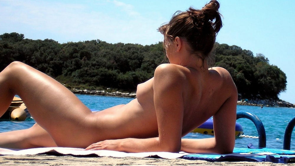 gifs-hot-spycams-pics-naked-babes-about
