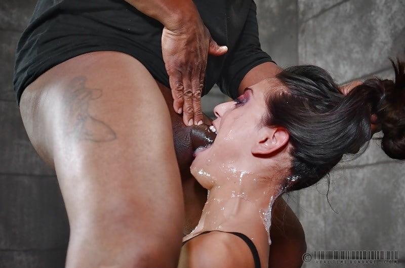 Порно горловой минет бдсм