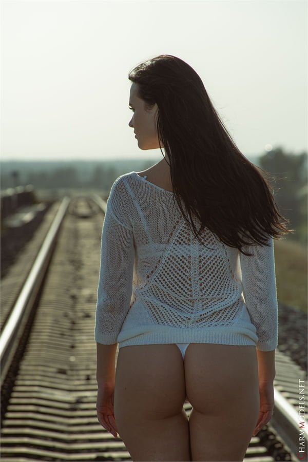 Gabby Bella supermodel in white panties at rails - 16 Pics