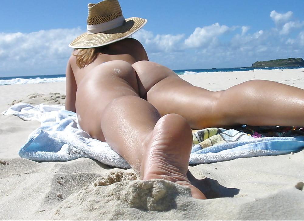 девушки на пляже с большими сиськами и жопой фото оставаться ним