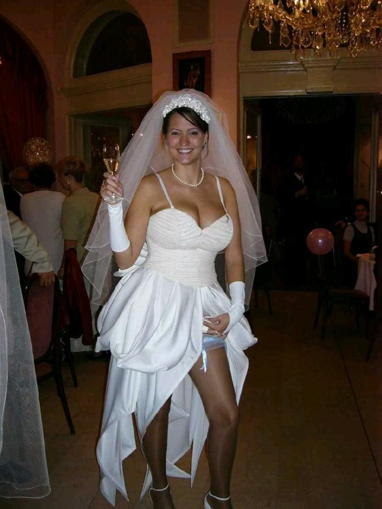 bride-flashing-boobs