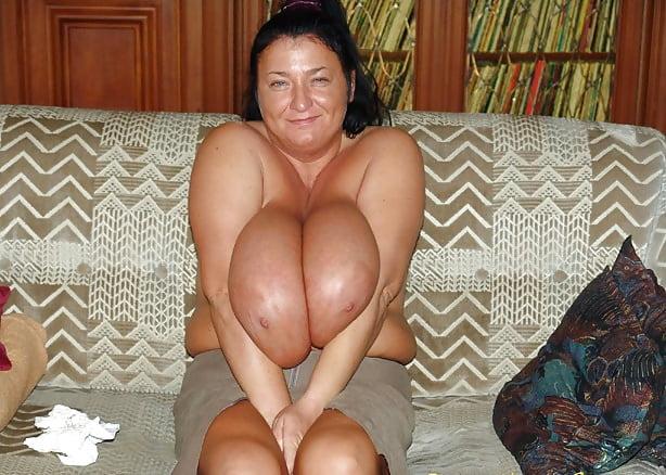 Enormous boobs milf-8339