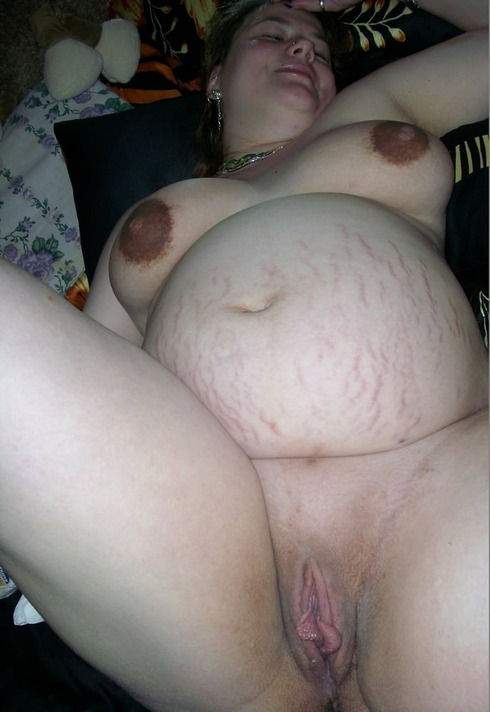Sexy pregnant fat pussy — photo 7
