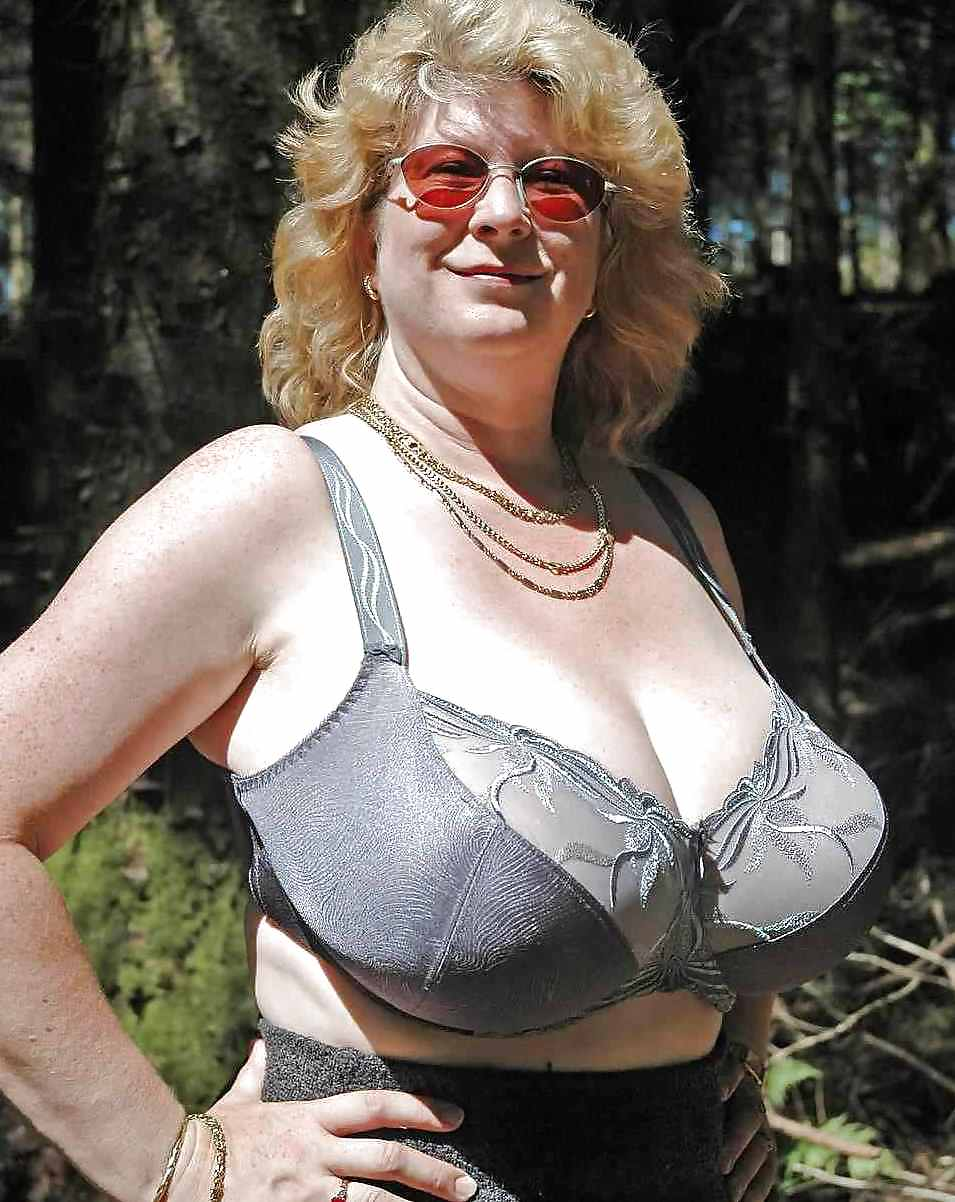 Huge grannies saggy breasts galleries, daisy dukes ass