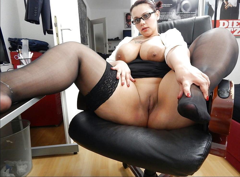 Порно пухленькая секретарша