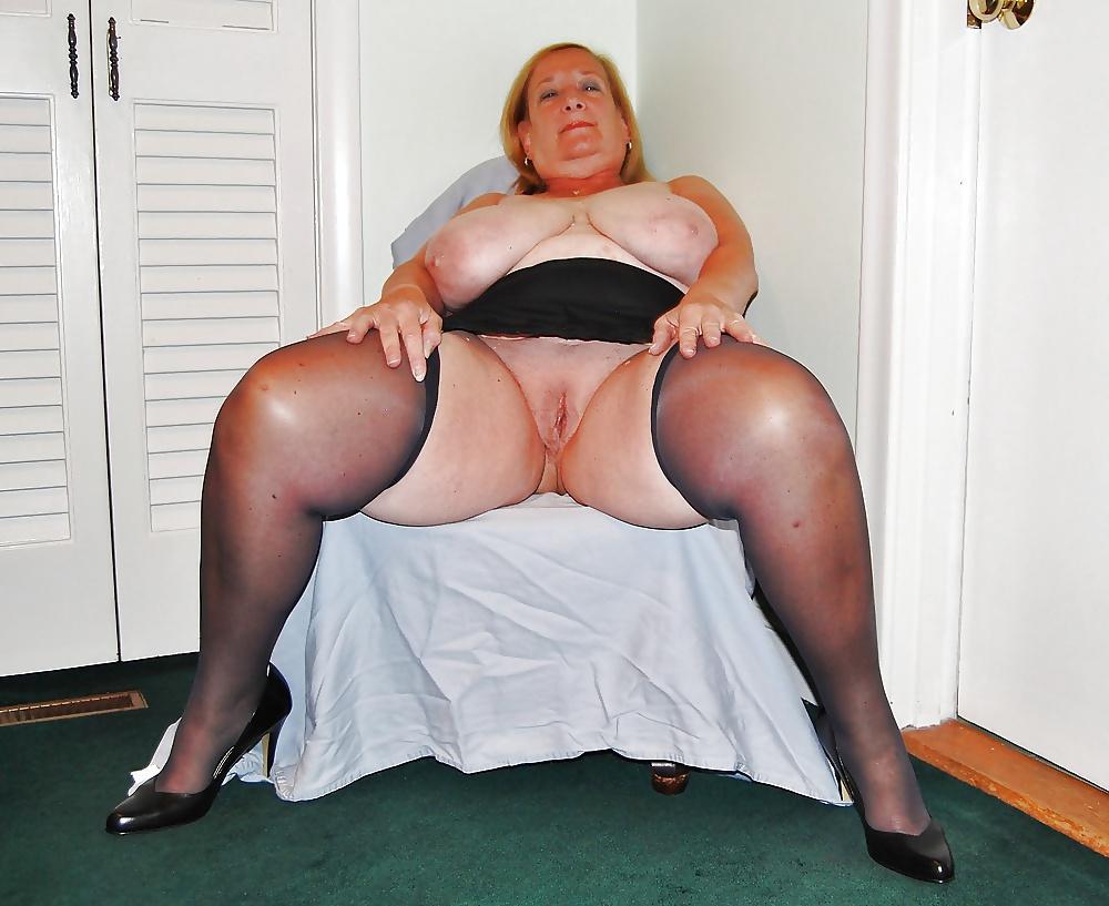Fat bbw mature wearing stockings