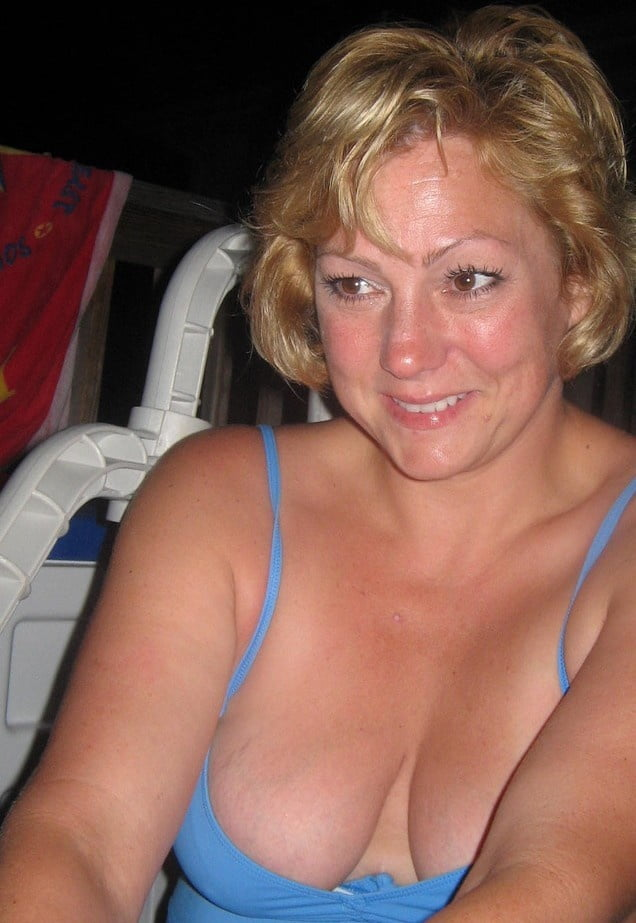 girls-mature-cleavage-pics-red-anal-sex
