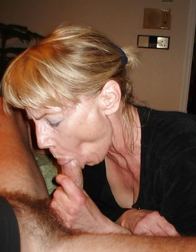 Free erotic wife Selipng sex sex on the toilet seat