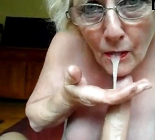 Amateure Granny Zierlicher Pov