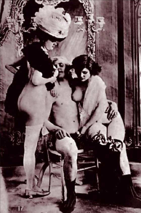 Двоих постели ретро порно в царское время