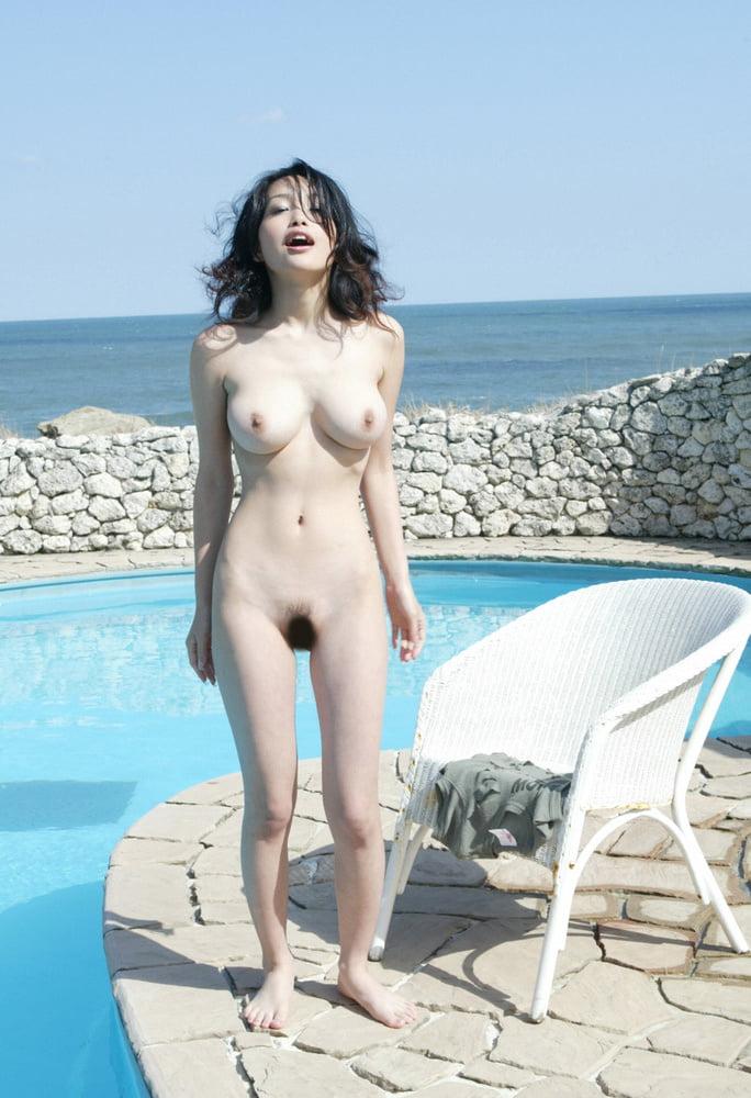 Reon kadena naked asian gravure model
