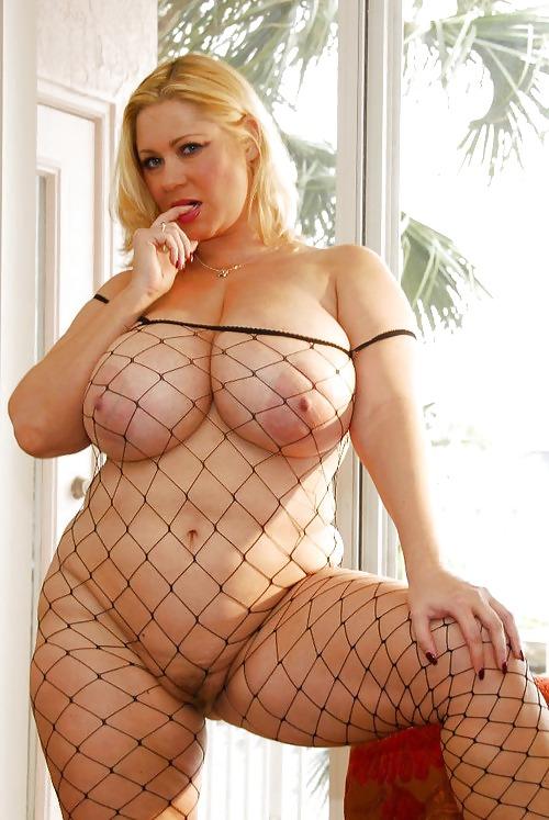 эротика фото женщин с большими формами в чулках случилось, что последнее