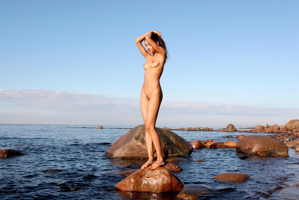 девки голые на море валерия - 1