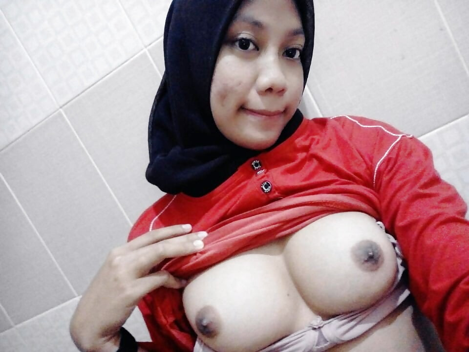 sexy-malay-girl-youtube-amateur-homemade-home-office-sex-vids