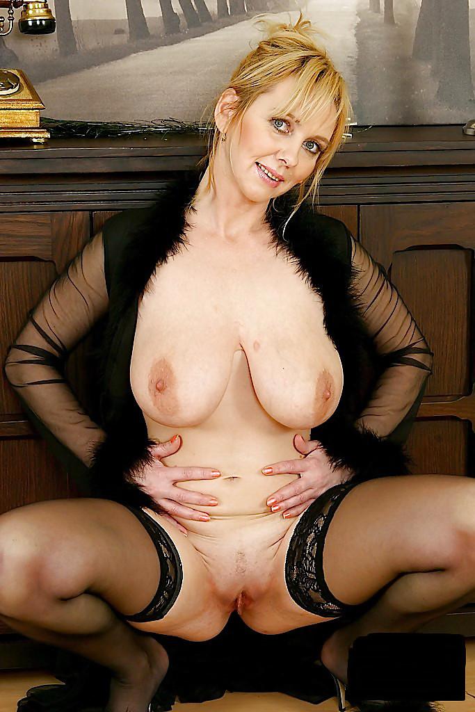 Каталог зрелых порно актрис фото
