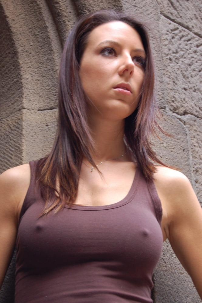 Girls without bra naked — photo 12