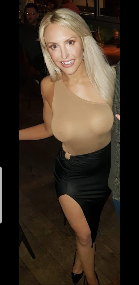 Emma Louise Jones Nude