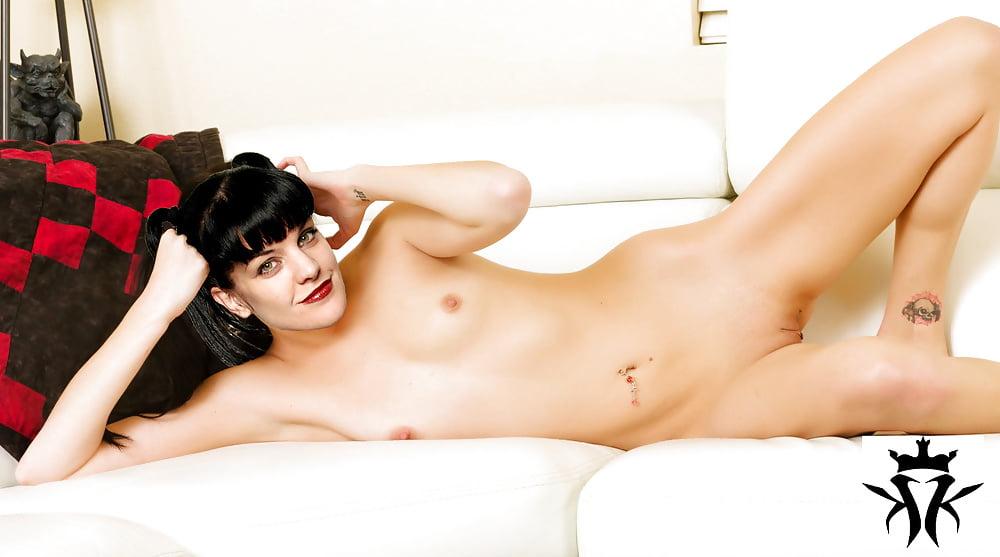 zevia-ncis-nude-penelope-menchacha-xxx