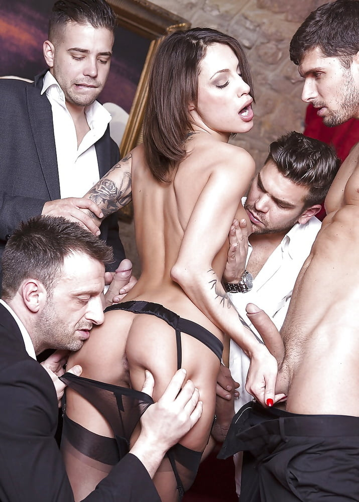 Hot Nikita Bellucci Gets Shared By Four Horny Guys Freeone 1