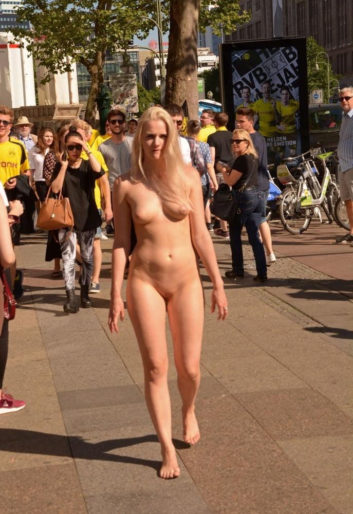 Busty Nude Women In Public Pics
