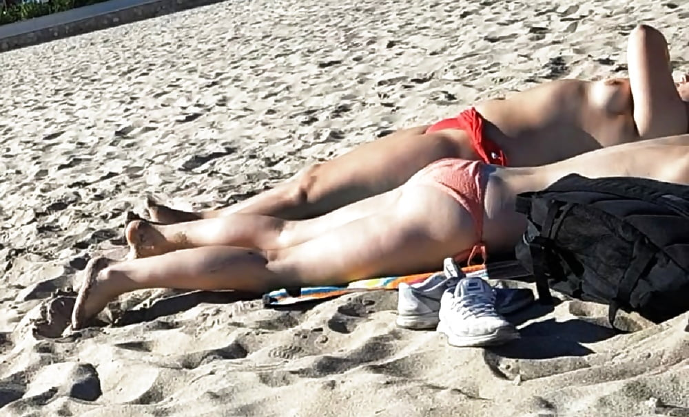 College girls topless beach