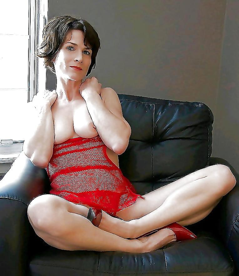 Deepthroat naked short hot moms lesbians boobs naked