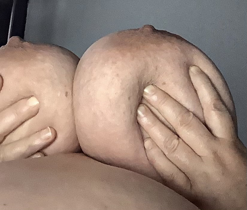 Mommy needs to breastfeed - 22 Pics