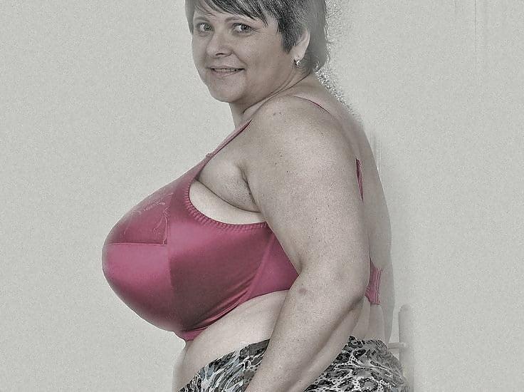 ochen-ogromnie-siski-starih-babok-foto-porno-s-trenerom-so-svistkom