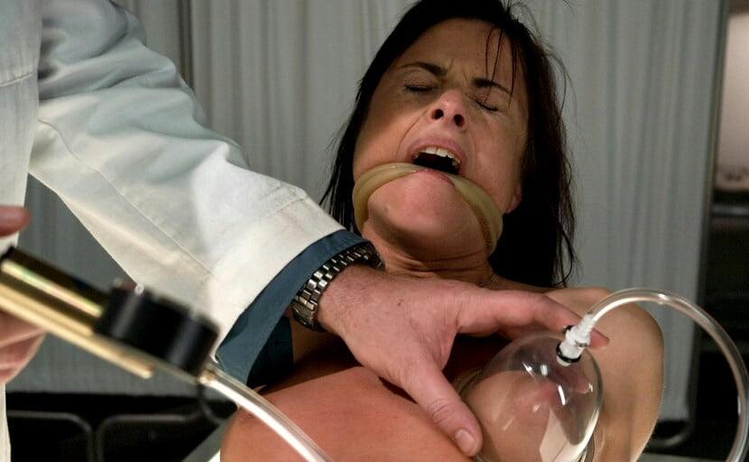Лесбиянки порно видео с извращениями помпа на сосках