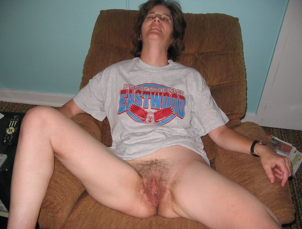 Hairy pussy waiting for you
