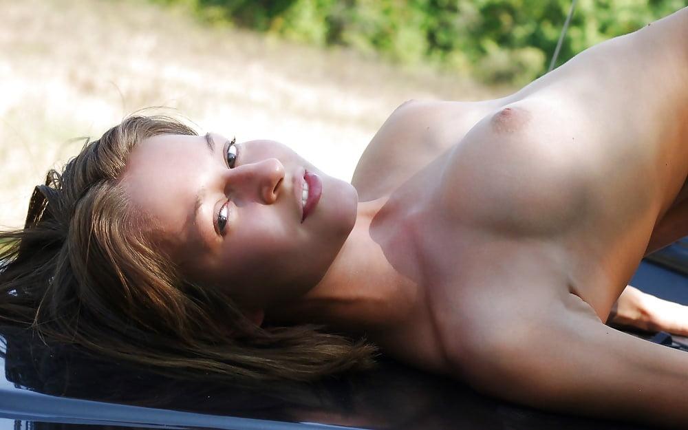 Megan Fox Naked Tits On Set